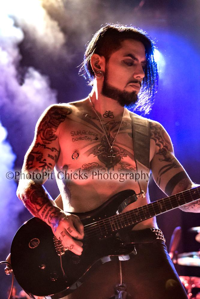Photo in Concert #dave navarro #janes addiction #master ink #music #bands #guitar #guitarists