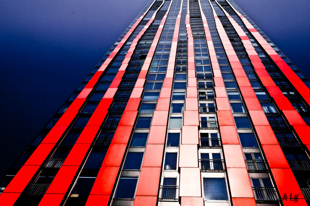 Photo in Architecture #ypa2013 #lines #architecture #rotterdam #netherlands #perspective