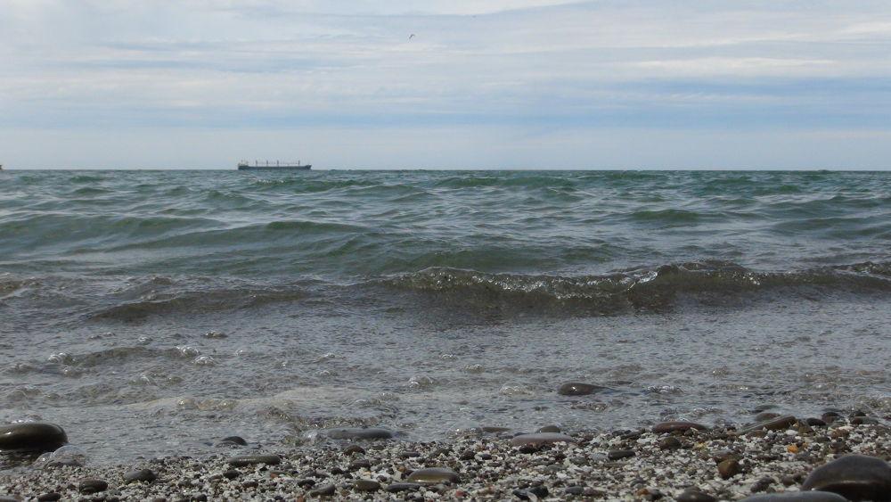 Photo in Random #tidalwave #ship #giantwave #wave #water #lake #shipi
