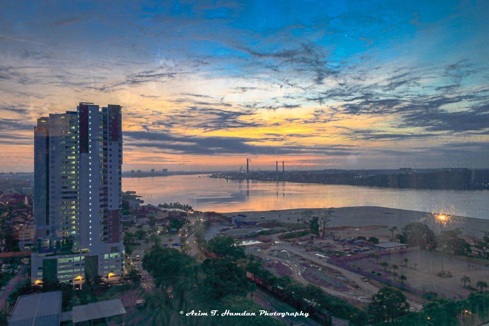 Photo in Cityscape #cityscape #city #sunrise #water