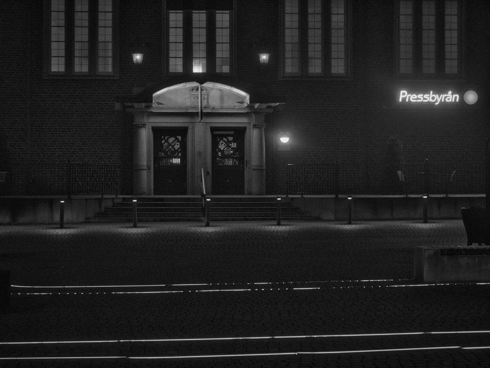 Photo in Random #trainstation #sweden #hässleholm #skåne #bnw #early morning #fog