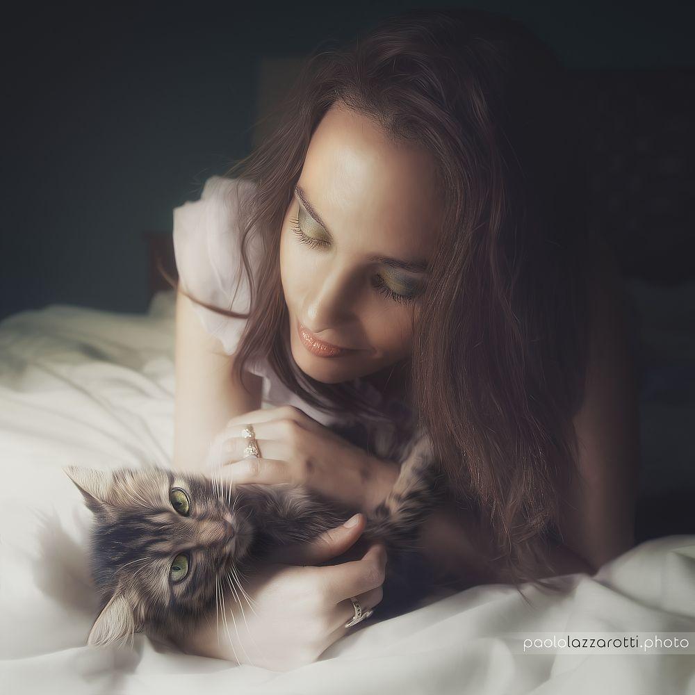 Photo in Portrait #lovely #cat #girl #beatiful #sweet #lovelyface #hairs #bed #softness #cuddle #love