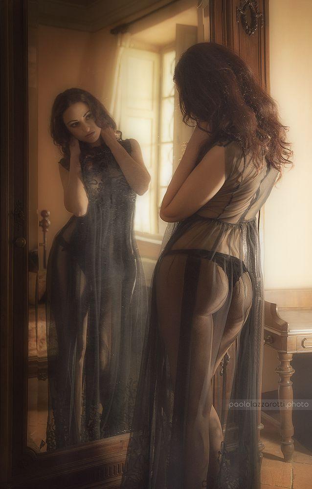 Photo in Portrait #girl #sensual #glamour #mirror #reflection #indoor #sexy #beatiful #portrait