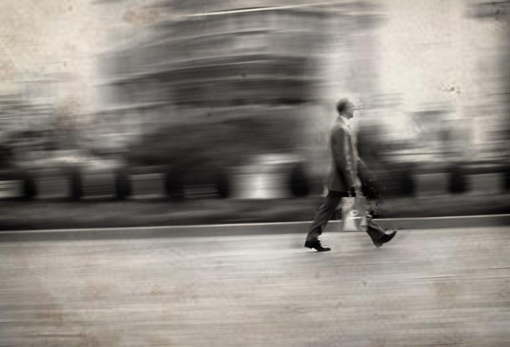 Photo in Random #men #square #milano #san babila #day #citylife