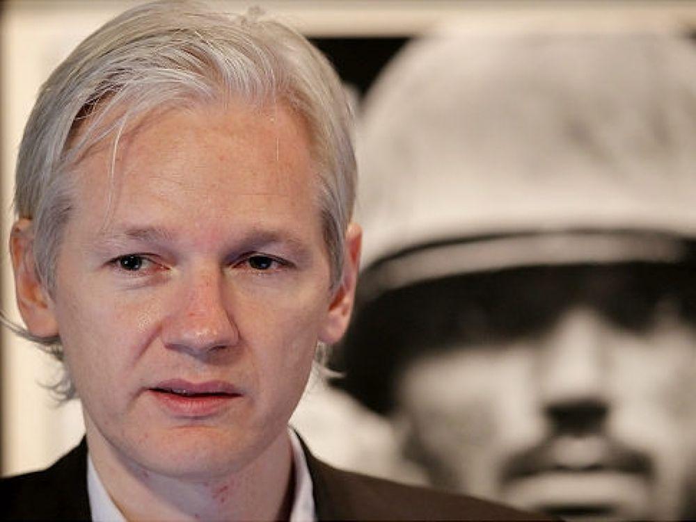 Photo in Random #julian #assange
