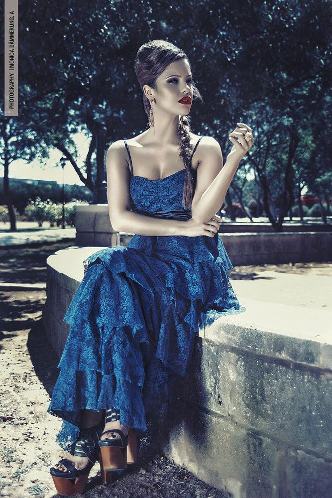 Photo in Fashion #photography  xdigitalart  xart #photography #fashion #portrait #digitalart #maría #people #outside #summer #black&white #black #white #dämmerung #www.monicadammerung.com