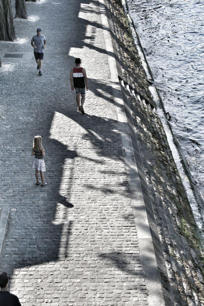 Photo in Street Photography #paris #seine #quai #rue #street #rive gauche #personnage