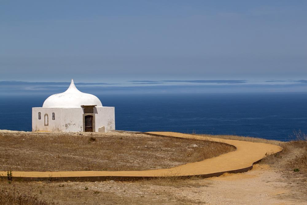 Photo in Landscape #capela #religião #pescadores #mar #oceano #atlântico #portugal #canon