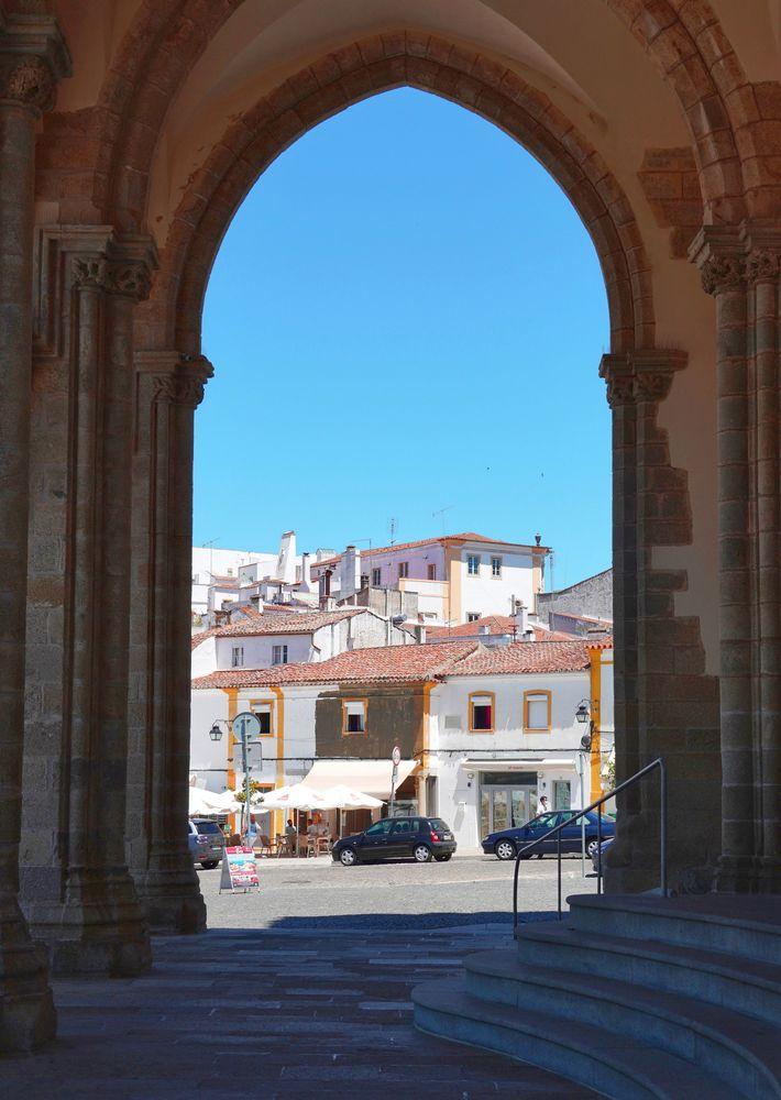 Photo in Cityscape #évora #alentejo #cidade #city #cityphoto #portugal