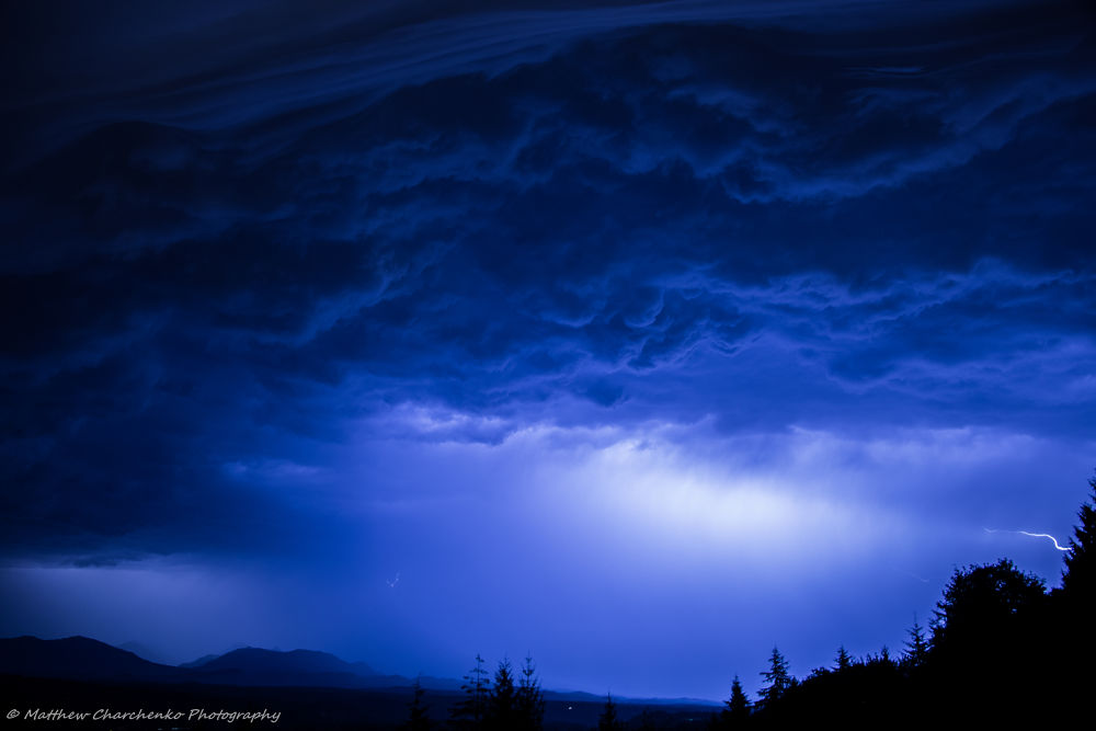 Photo in Random #seattle #thunderstorms #mountains #cascades #severe #lightning #thunder #squall #nighttime #flash #clouds