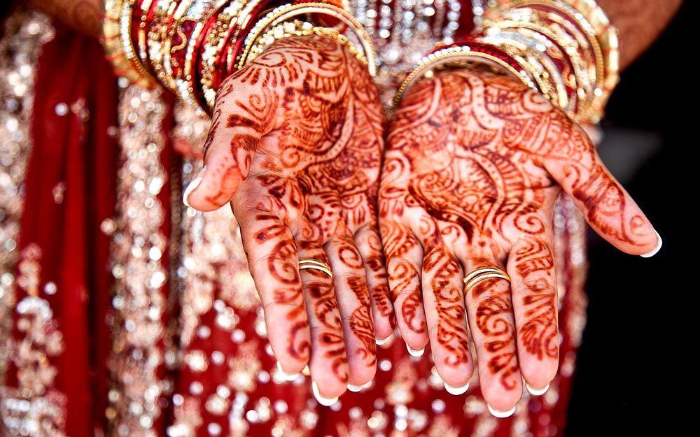 Photo in Wedding #wedding #indian bride #henna