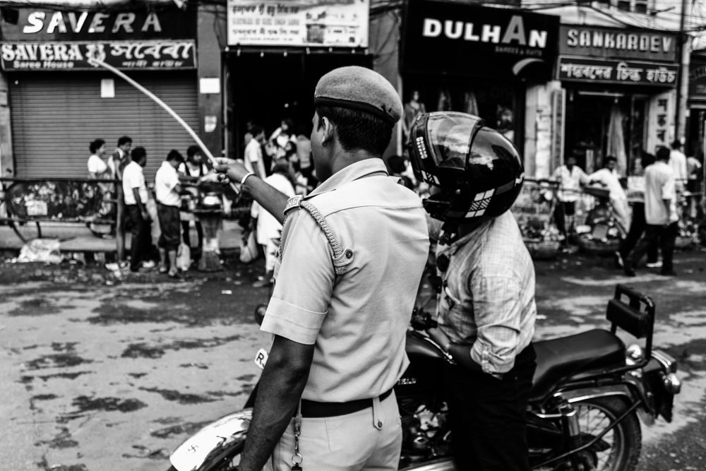 Photo in Street Photography #street #street photographer #blackandwhite #b/w #monochrome #mono #black and white #humor #police #people #urban