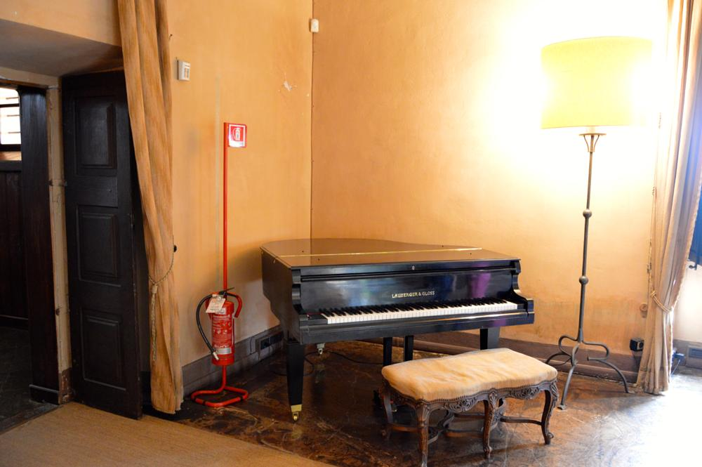 Photo in Random #piano #pianoforte #castello