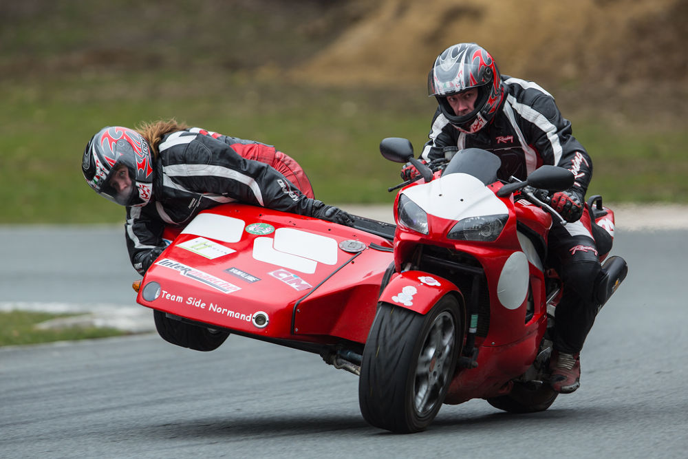 Photo in Sports #side car #yamaha #r1 #normand #folembray #piste #track #wheel #wheeling #girl and boy