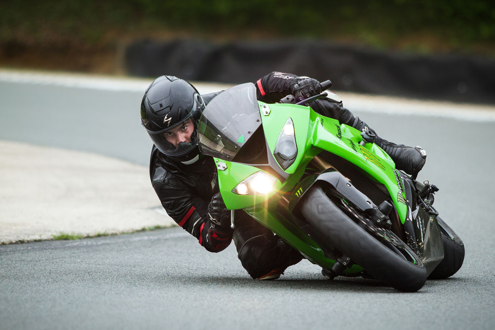Photo in Sports #track #piste #moto #bike #folembray #regard #kawasaki #monster #zx10-r #1000 #cm3 #scorpion