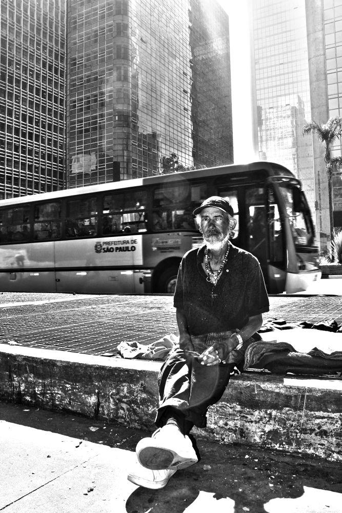 Photo in Random #morado de rua #paulista #avenida #p/b #paulo adalberto #urbanismo #desigualdade social #mendigo #brazil #brasil #preto e branco #são paulo