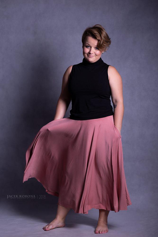 Photo in People #© #2018 #art #cracow #fotografia #jacek #korona #kraków #model #photography #polska #poland #beautiful #color #girl #lovely #pink #portrait #pretty #sensual #smile #sublime #woman