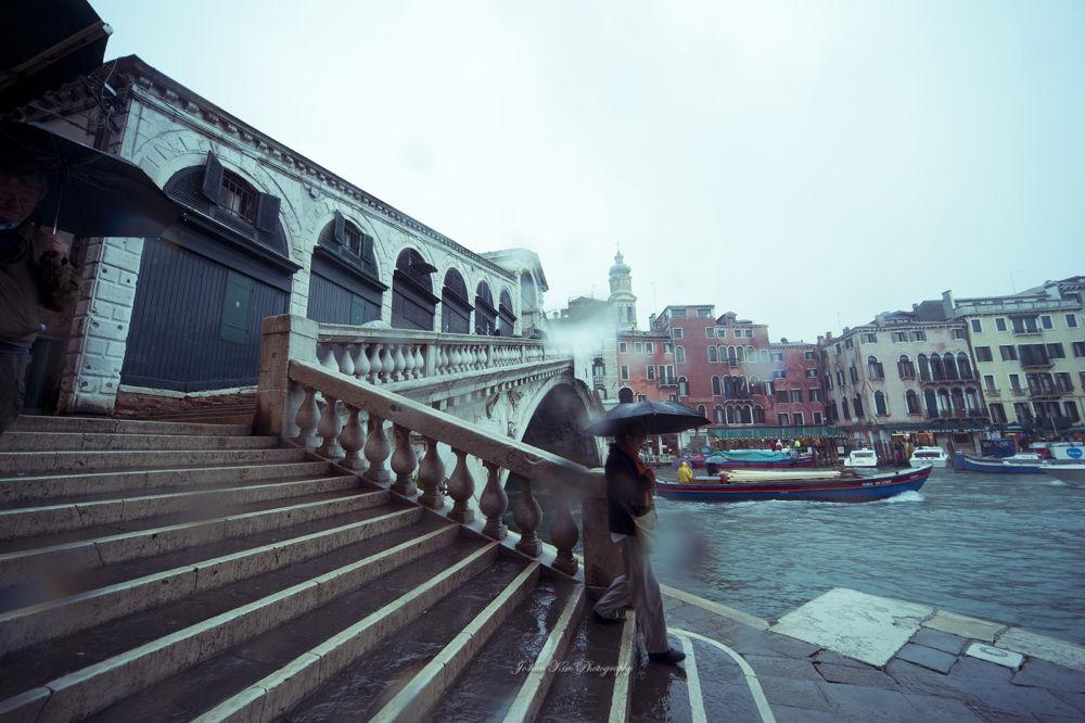 Photo in Street Photography #italy #venezia #venice #rainyday