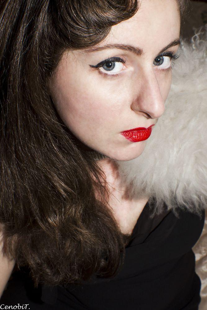 Photo in Portrait #glam #glamour #portrait #oldhollywood #redlips #lips #red #fur #pinup #retro #vintage #misslynmakeup