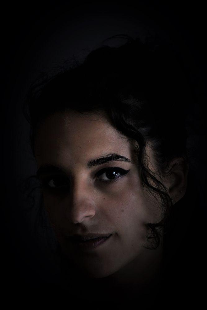 Photo in Portrait #gente #jovem #mulher #sombra