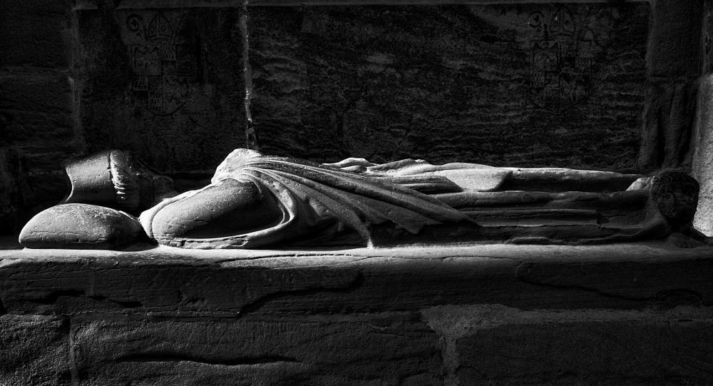 Photo in Black and White #statue #black #architecture #light