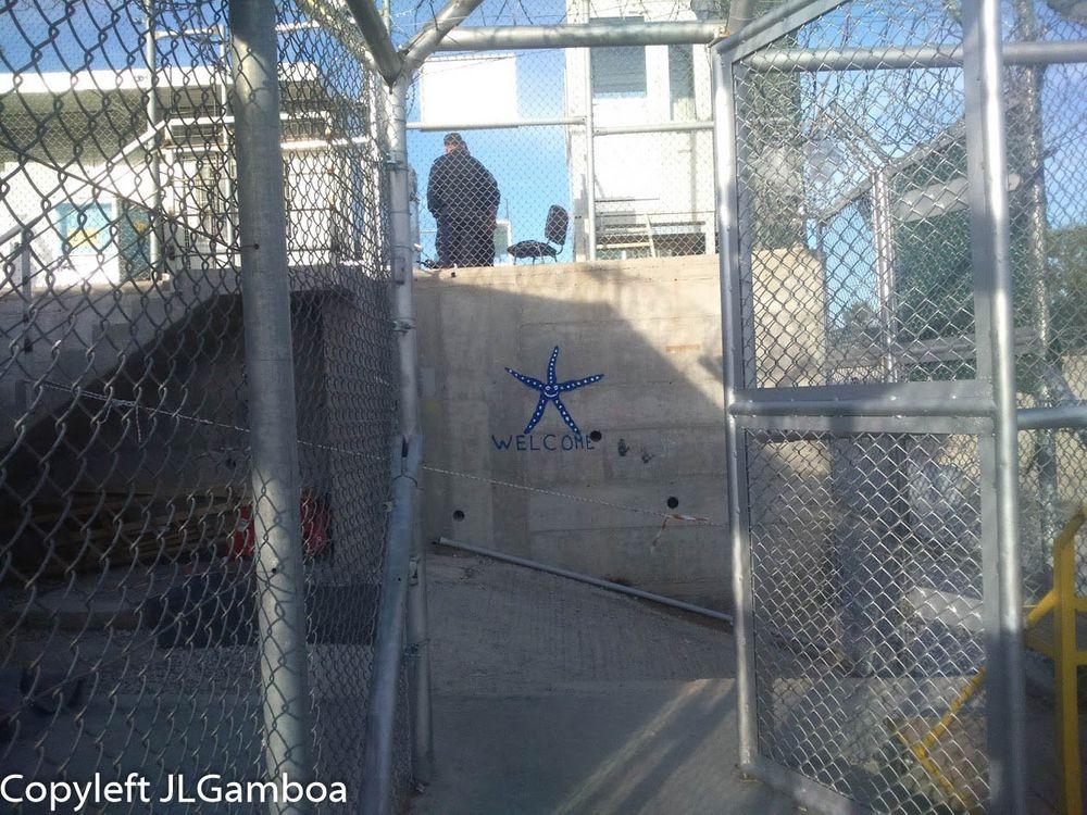 Photo in Journalism #lesbos #moria #refugiados #vallas #boqueras #welcome #estrella de mar