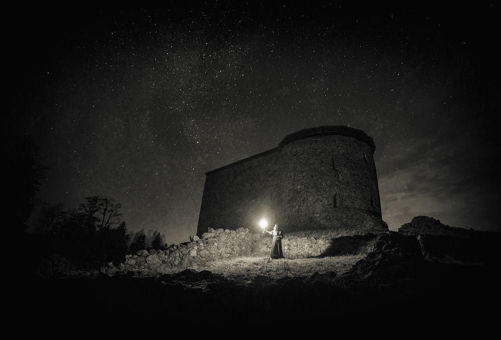 Photo in Random #munk #finland #star #night #mood #mystical #mika #suutari #light #oldtime #castle #raasepori #canon #samyang