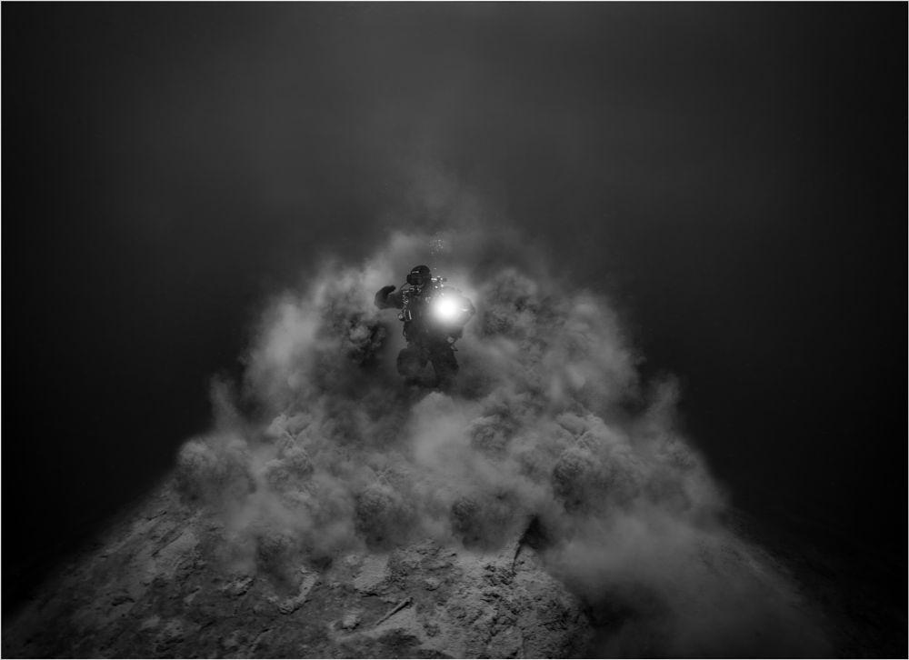 Photo in Underwater #volcanoe #dancing on the volcanoe #lake #diving #underwater