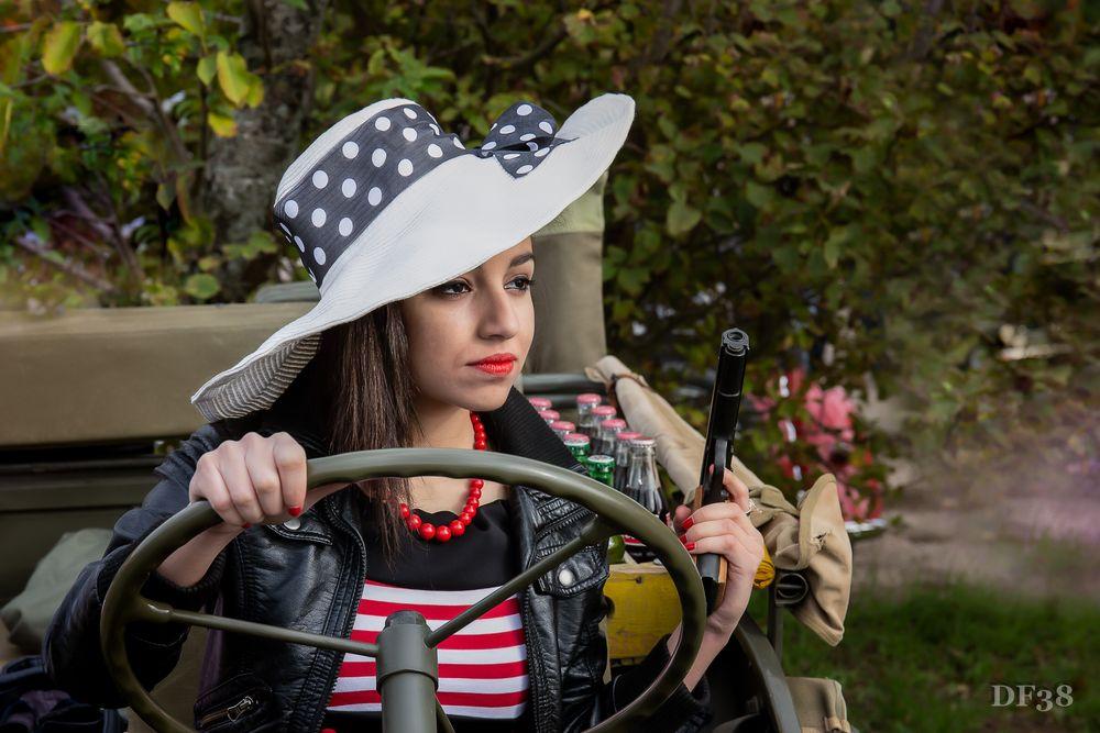 Photo in Fashion #femme #girls #model #df #df38photo #dusserre #arme #cosplay #voiture #portrait