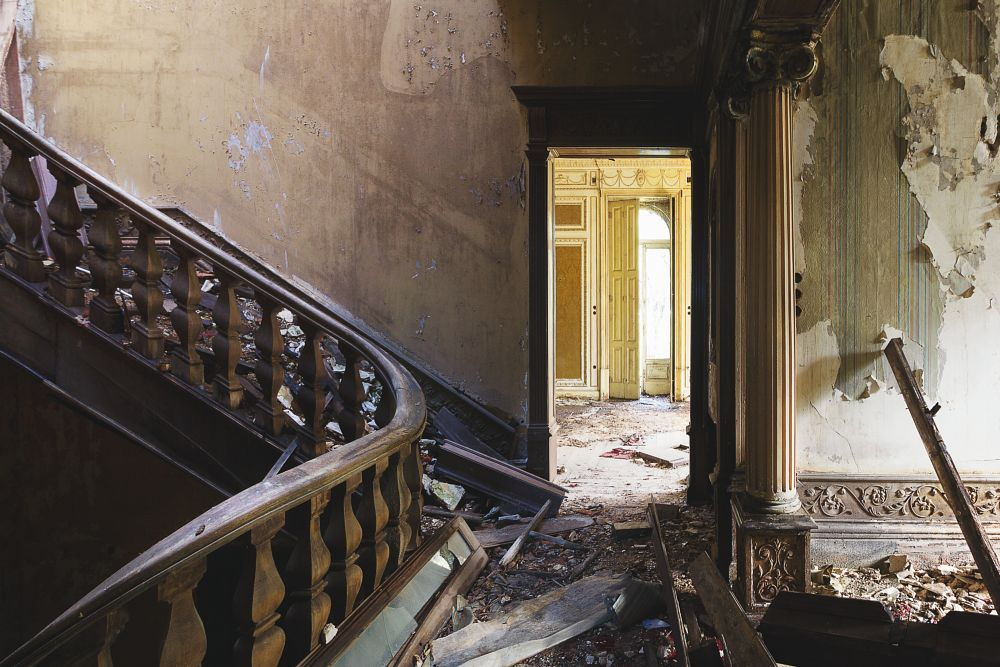 Photo in Urban #abandoned #decay #urbex #mansion #beauty