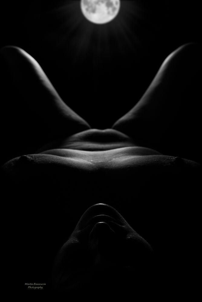 Photo in Nude #woman #nude #moon #lowkey #black and white