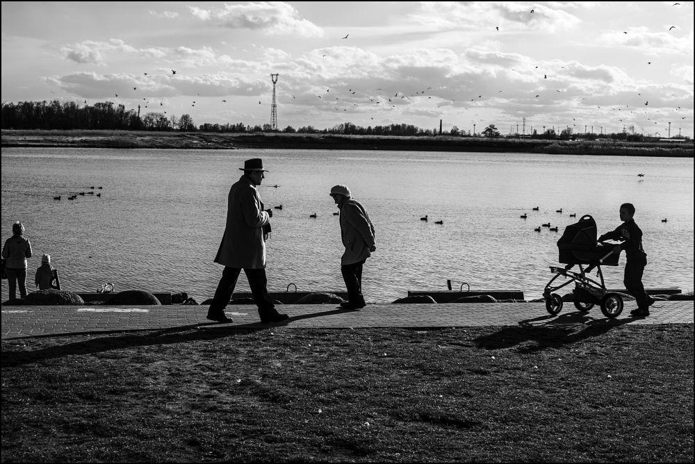 Photo in Street Photography #black #white #black & white #city #cityscape #urban #embankment #shadow #shadows #spring #daugava #riga #latvia #outdoors #indars vetrajs