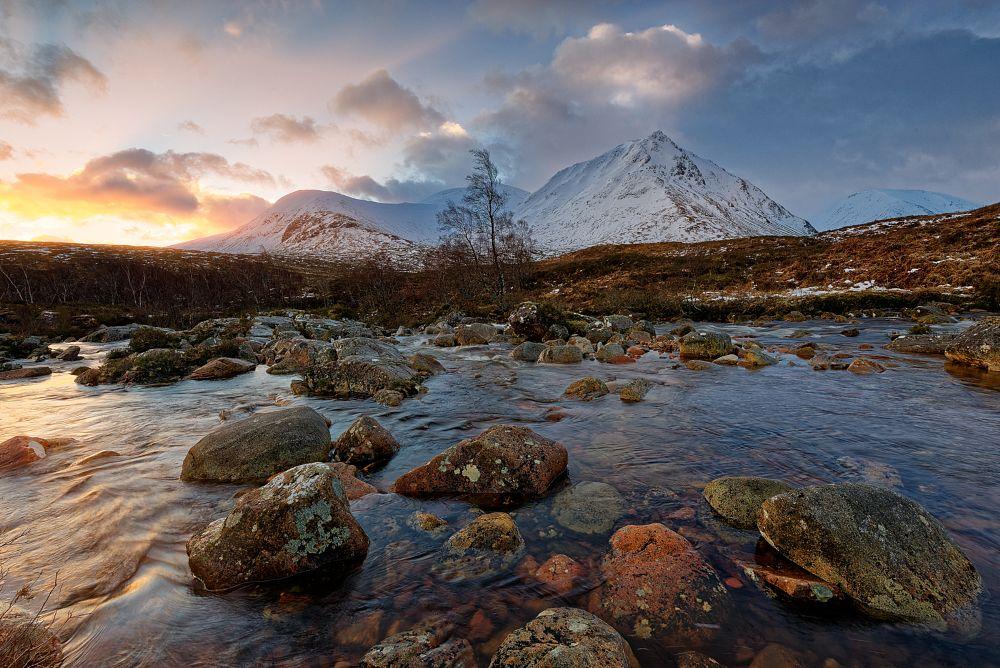 Photo in Landscape #scotlandhighlandsmoodylight #sunrise
