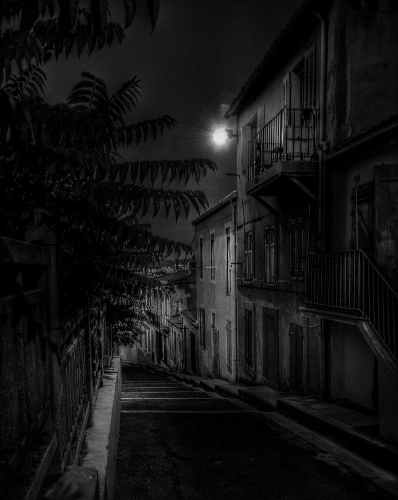 Photo in Landscape #marseille #bouches-du-rhône #france #nuit #night #rue #street #lampadaire