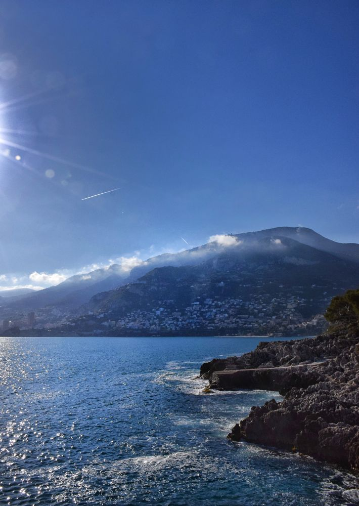 Photo in Landscape #mer #sea #méditerranée #alpes-maritimes #avril #april #coast #seascape #rock #rocher #sun #soleil #monaco #riviera #rayon #ray