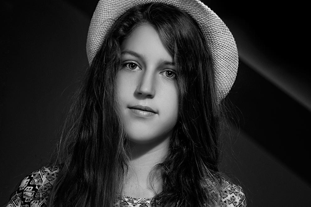 Photo in Black and White #mackiewicz #girl #b&w