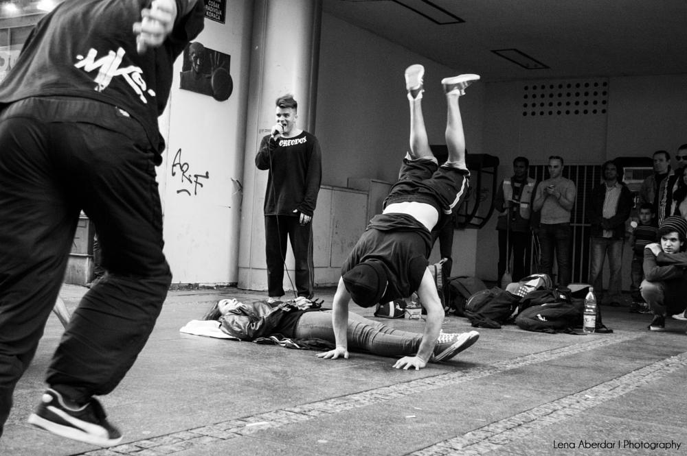 Photo in Street Photography #dance #breakdance #authentic moment #gymnastics #strenght #dexterity #rhytm #beatbox #show #black and white #monochrome