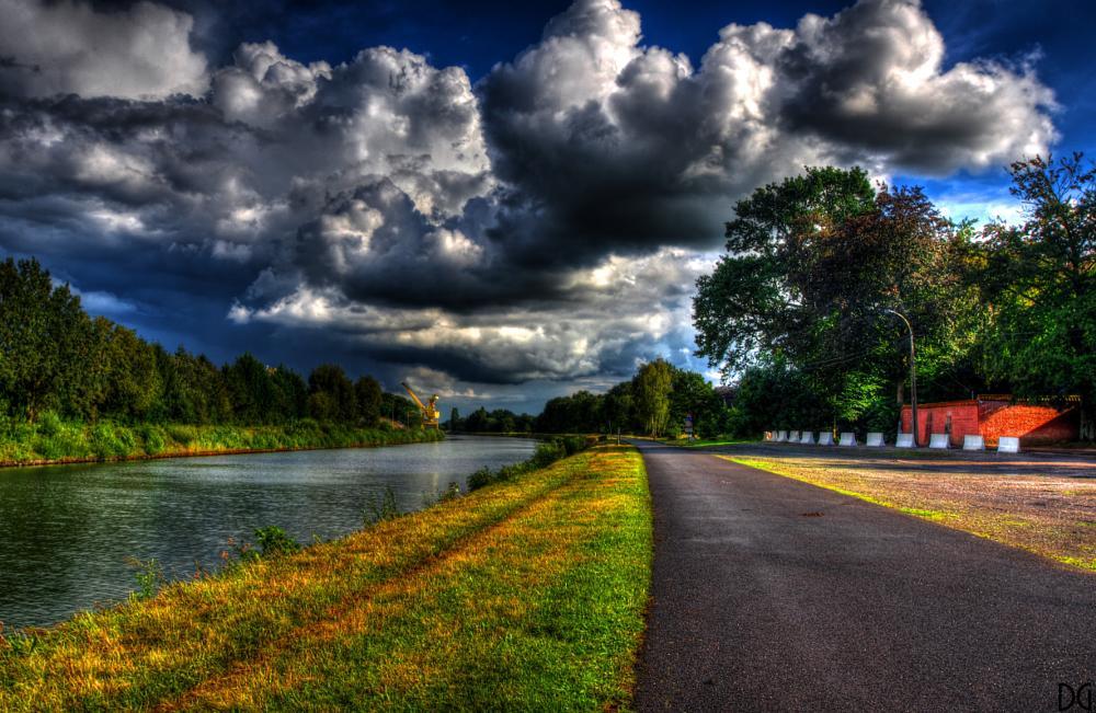 Photo in Landscape #landscape #river #clouds #hdr #pentax #photomatix