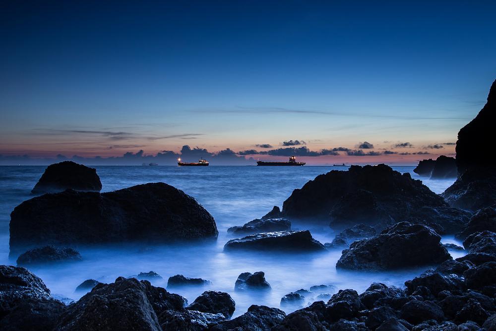 Photo in Landscape #sunset #water #sea #ocean #canon #canon 6d #6d #longexposure #ship #boat #beach #rock #rocks #sky #skyling #cloud #長曝 #kaohsiung #taiwan #西子灣 #神秘沙灘 #台灣 #海邊 #沙灘 #黑卡