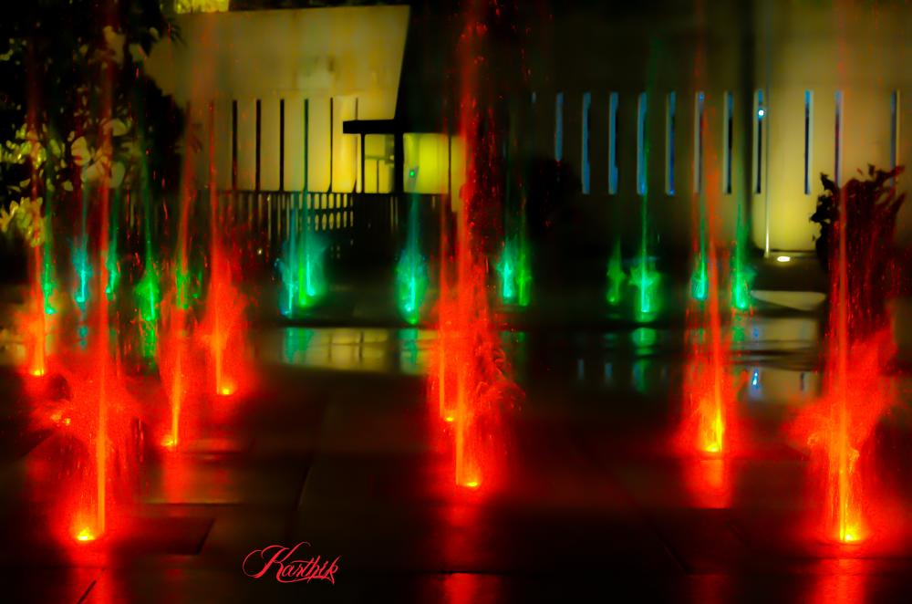 Photo in Cityscape #fountain #fountains #water #cityscape #city #red