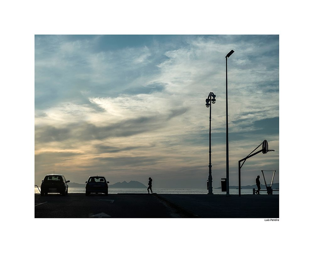 Photo in Street Photography #atardecer #fuji #color