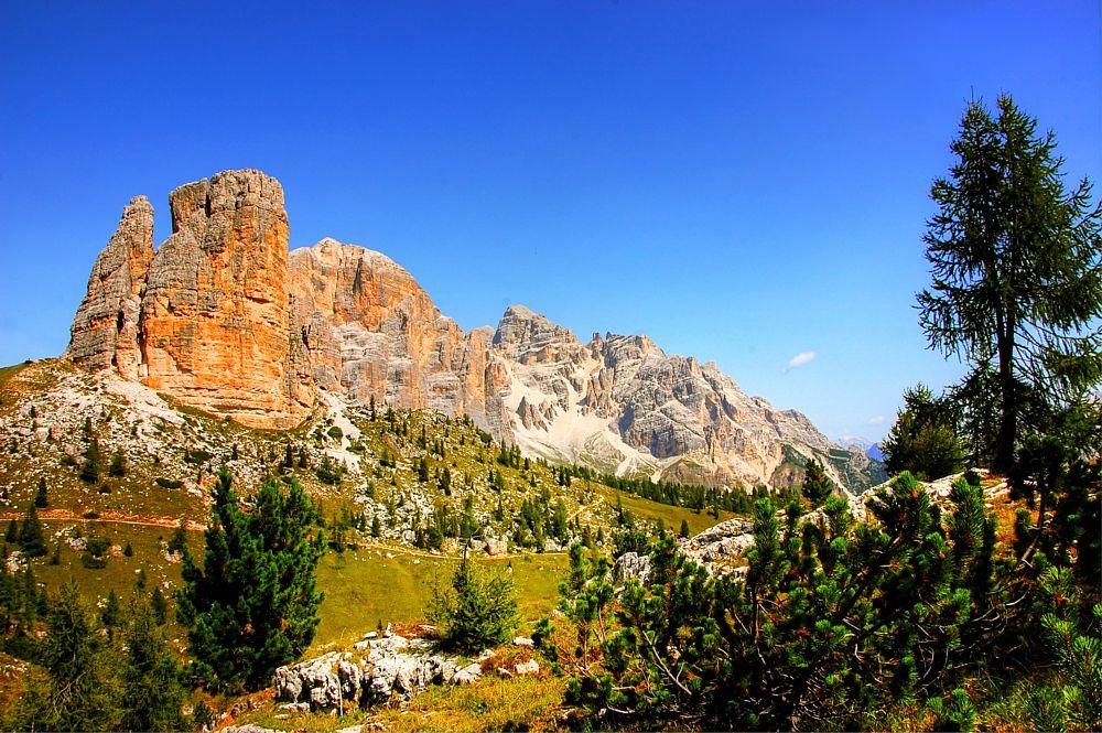 Photo in HDRI #dolomiten #berge #wandern #alm #alpen