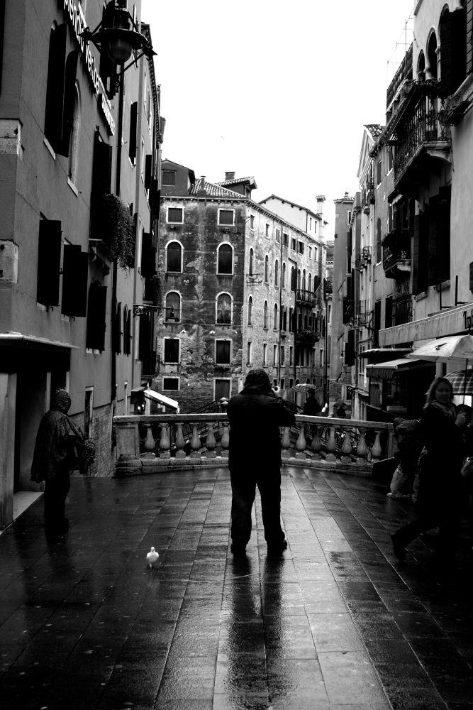 Photo in Urban #street #white #bridge #venice #black #rain #wet #people #veneto