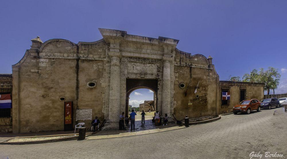 Muralla de Prisión antigua zona hístorica de Sto Donmingo