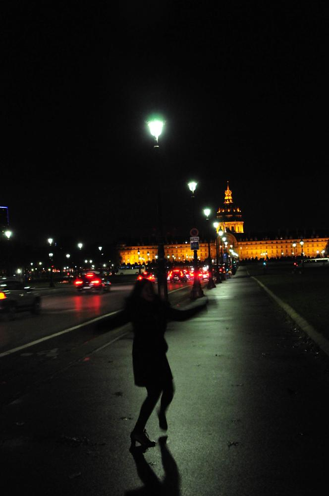 Photo in Street Photography #night #rain #invalides #stroll #dance