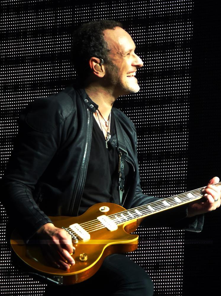 Photo in Concert #def leppard #vivian campbell #live #music #concert #guitarist