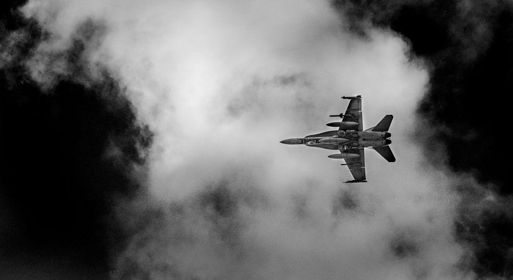 Photo in Random #f-18 #oshawa #jet #fighter #fast #noisy #missiles