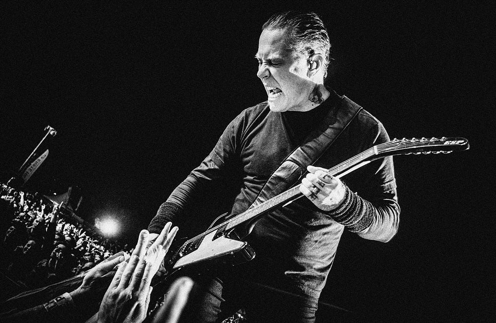 Photo in Concert #metallica #james hetfield #vienna #austria #snake pit #guitar #explorer