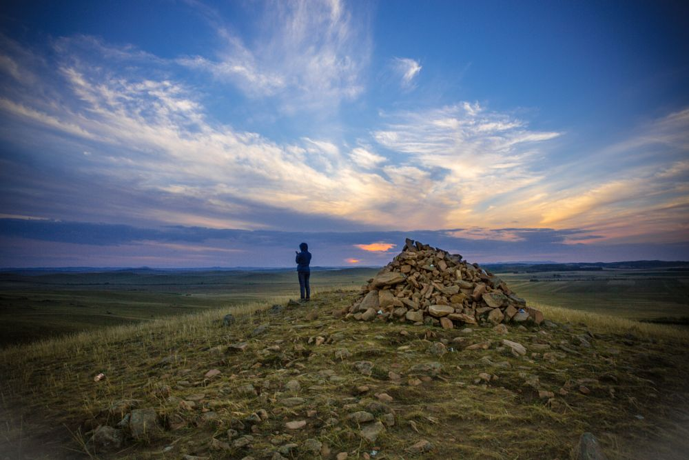 Photo in Travel #travel #mongolia #china #mountail #cloud #sunset #phoenix #fly #sky #grass #land #gril #blue #green