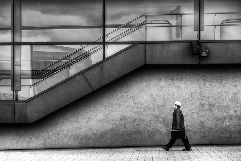 Photo in Street Photography #streetcontest #men #black&white #new castle #richardmarks